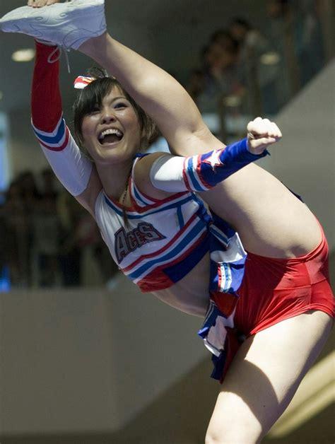 cheerleader wardrobe malfunctions youtube 24 times that cheerleaders proved they excel in wardrobe