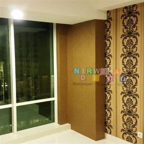Karpet Bulu Karakter Yogyakarta pemasangan wallpaper di apartemen mataram city yogyakarta