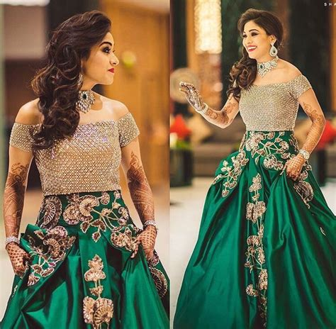 Bridal Wear Gowns by 25 Best Ideas About Indian Gowns On Indian