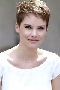 On pinterest pixie hairstyles messy pixie and super short pixie