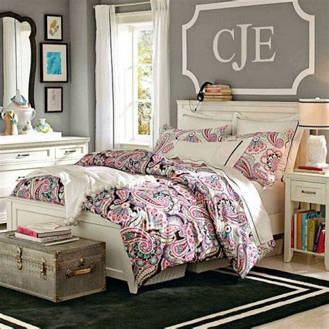 Exceptional Decorating The Wall Behind Your Headboard #9: Decal+above+bed.jpg