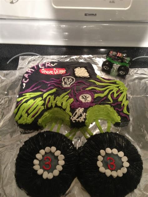 grave digger monster truck cake 17 best images about monster truck party on pinterest