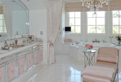lisa vanderpump bathroom photos rhbh lisa vanderpump and giggy 29 million house