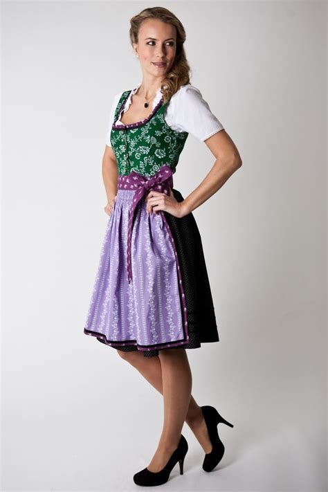 pattern for dirndl apron apron trim and sash repeated as ruffle on top four