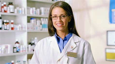 What Can I Do With A Pharmd And Mba by Pharmacy Technician Everest College The Official