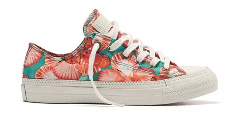 Poster Converses On 001 isolda x converse print collection sole collector