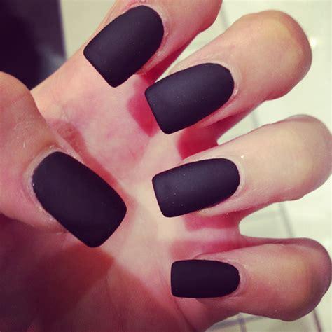 matte nail trending