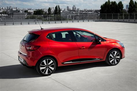 new renault clio all new 2013 renault clio hatchback pictures and details