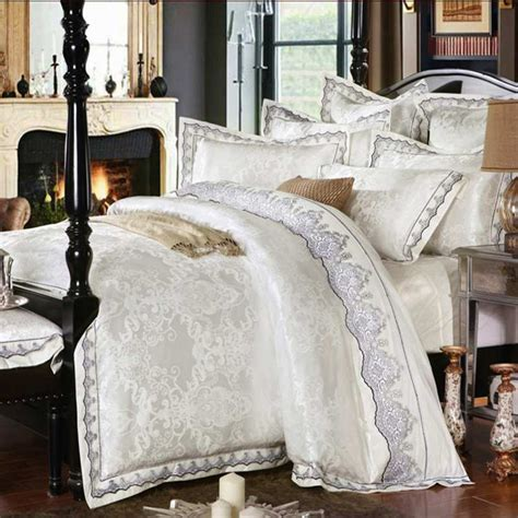 Luxury White Bedding Sets White Jacquard Silk Cotton Bedclothe Bedding Set Luxury 4pcs Lace Satin Duvet Quilt Cover King