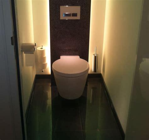 wc spiegel met led verlichting toilet verlichting led google zoeken toilet