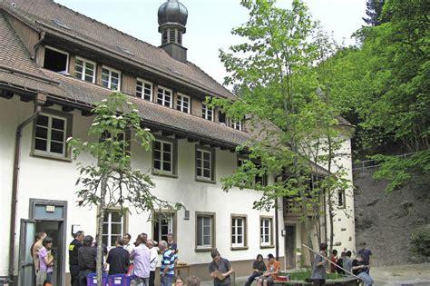 dekan strohmeyer haus vom maierhof zum dekanatsjugendhaus kollektive