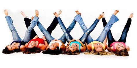 themes for group photo shoots best friend photo shoot ideas girl friends photo shoot