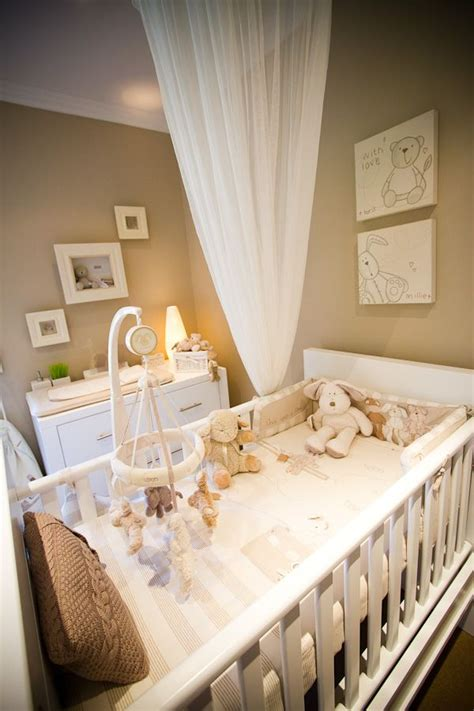 Neutral Nursery Decorating Ideas Neutral Nursery Theme Add Accent Color Decor After The Baby Is Born Cuarto De Ni 241 Os Y Bbs