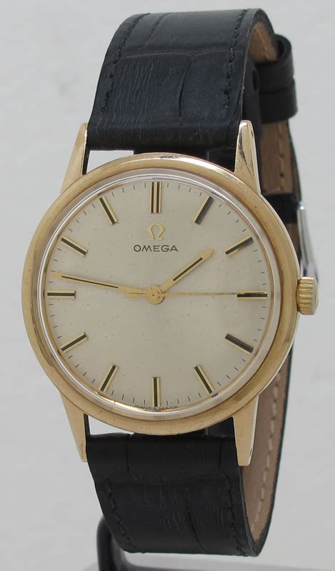 Omega ref 135.955 9k Gold Manual 33mm cal.601 Silver Dial Dress Watch from 1965 in Stunning