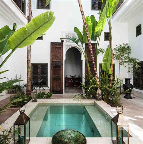 patio interior que significa riads en marrakech las 7 joyas de la ciudad imperial