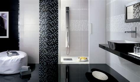 mensole bianche lucide oltre 25 fantastiche idee su bagni in piastrelle bianche