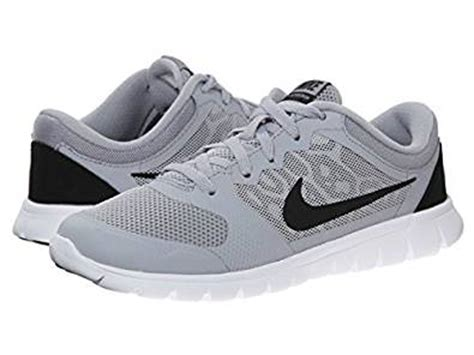 nike boy s flex run 2015 wide tennis shoes 12