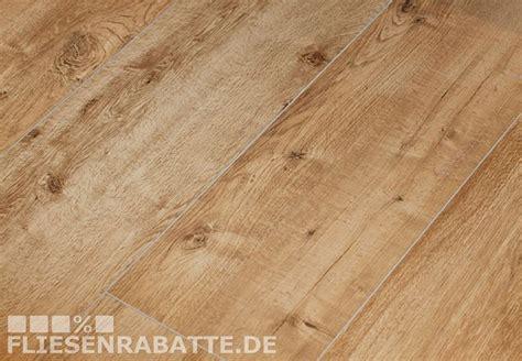 Steinfliesen In Holzoptik by Alte Fliesen Versch 246 Nern Dein Bad Im Neuen Glanz Wohnen