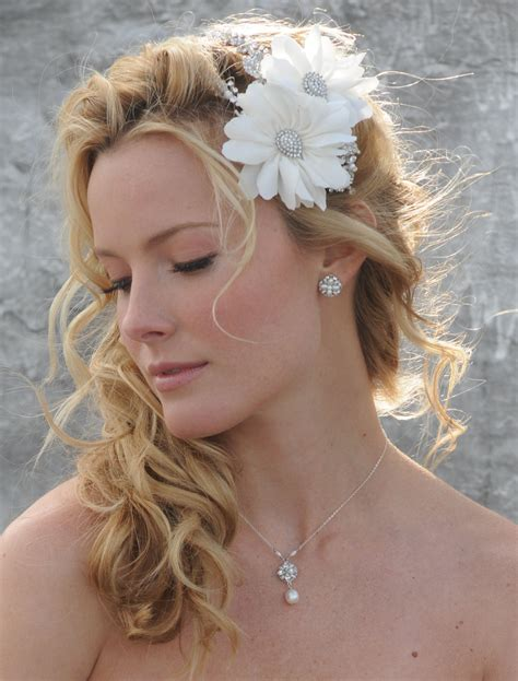 Wedding Hairstyles To The Side by Pictures Of Wedding Hairstyles Pulled To The Side