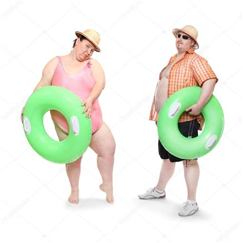 foto in costume da bagno obesi coppia in costume da bagno con salvagente verde