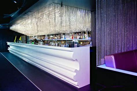 bar comptoir moderne comptoir moderne de barre de corian lumi 232 re tamis 233 e bar