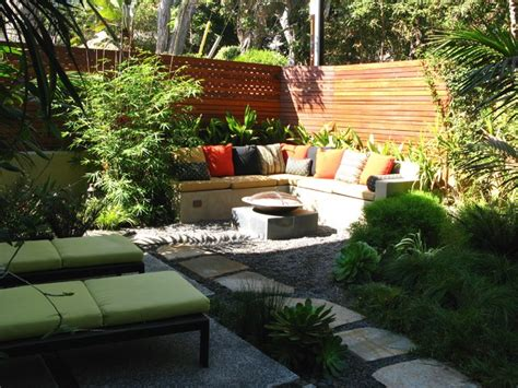 Corner Yard Landscaping Pictures Interior Design Ideas