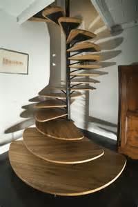 escalier colimacon bois les 25 meilleures id 233 es de la cat 233 gorie escalier en