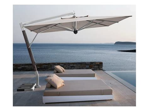 ombrelloni da terrazza ombrellone con braccio laterale per terrazza idfdesign