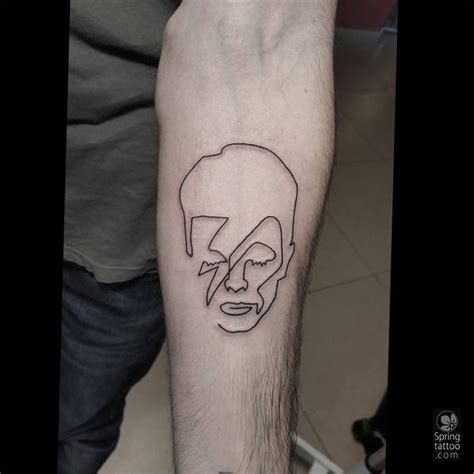 bowie tattoo best 25 david bowie ideas only on
