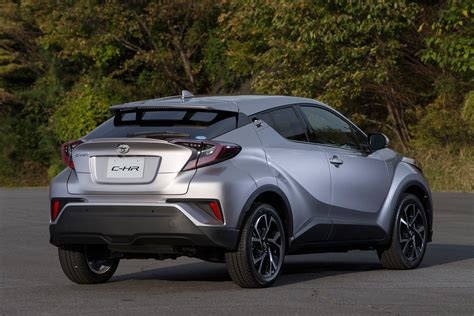 Crossover Toyota Toyota C Hr Compact Crossover Launched In Japan 1 2l