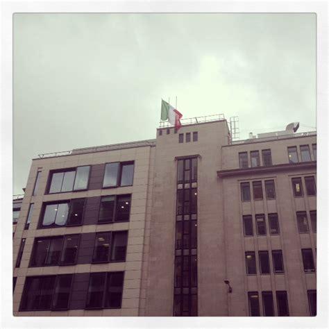 consolato italia londra passaporti e servizi