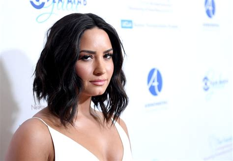 demi lovato sober wallpaper demi lovato keeps things very simple for the open mind