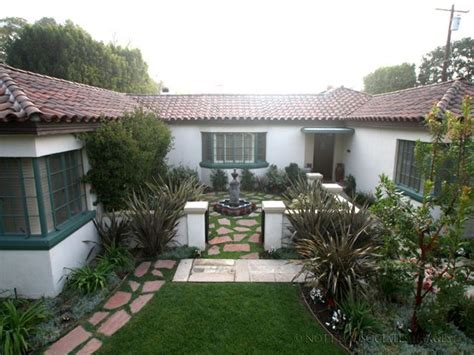 spanish style courtyards small spanish style homes spanish style homes with