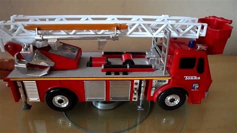 tonka fire truck toy playing with a tonka 1999 toy fire engine brigage truck