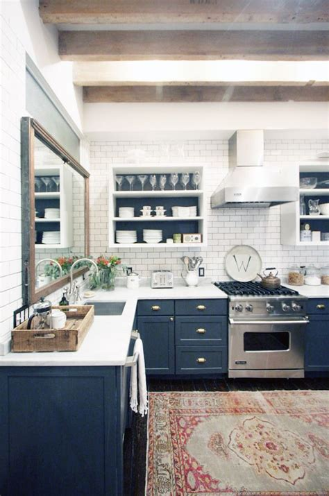 kitchens with blue walls my fantasy home blue accent 201 pingl 233 par sarah kaufman sur dwell pinterest 201 tag 232 res