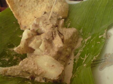 Piring Rotan Asli Bukan Bahan Lidi nama 6 makanan lezat khas indonesia ini tipu banyak orang