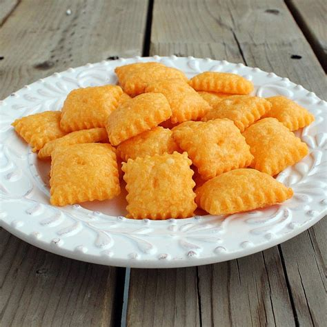 homemade cheddar cheese snack crackers healthy snack