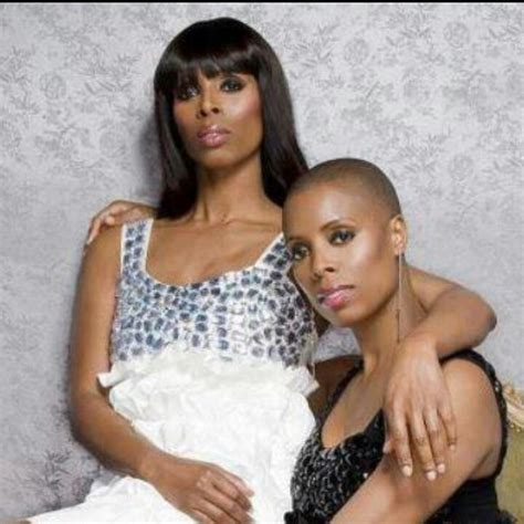 twlin sis tasha smith twin sister favorite tv shows movies