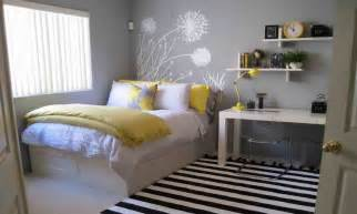 Decorating Ideas For Small Guest Bedroom Guest Bedroom Decorating Ideas Guest Bedroom Decorating