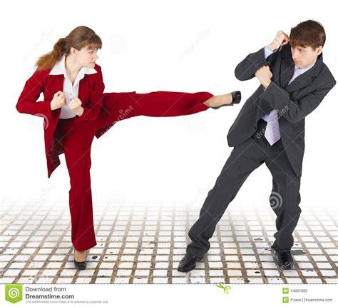 imagenes de fitness de combate hombres y mujeres extremos de la pelea de la oficina