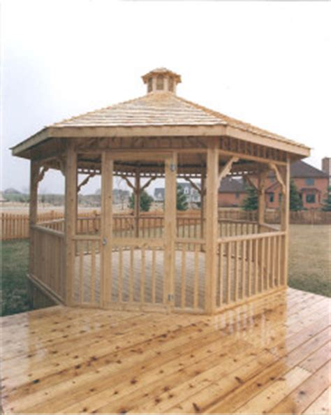 what is the difference between a gazebo and a pergola
