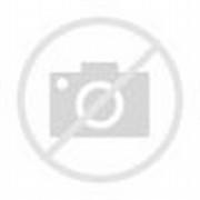 Boneka Doraemon dengaan rabbit
