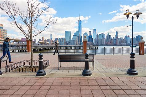 river 2 river realty new york city real estate midtown jersey city new jersey the real home to lady liberty