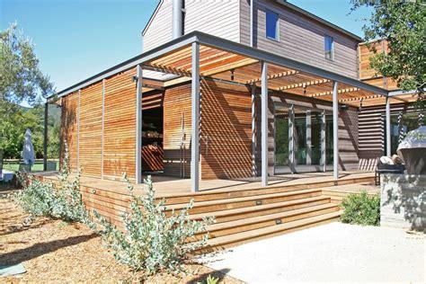 Pleasing Horizontal Slat Fence with Geometric Wood Siding