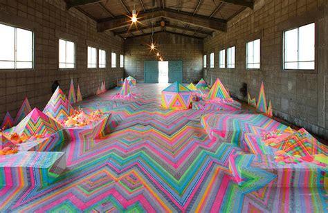 imagenes de intervenciones artisticas caramelle e dolci per trasformare stanze in paesi delle