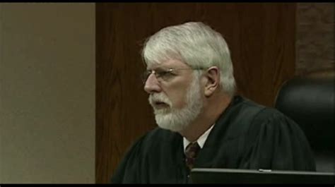 pontiac circuit court oakland county prosecutor accuses judge of issuing illegal
