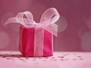 pretty gifts bow box gift pink pretty ribbon image 48585 on