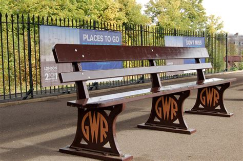 gwr benches file gwr seat at leamington spa railway station geograph