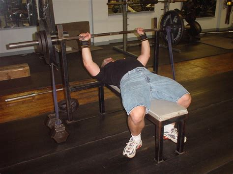 bench press with resistance band using bench press bands chains for explosiveness