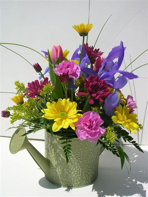 fresh flower arrangement 1000 images about fun floral arrangements on pinterest